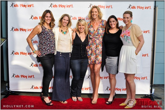 Meaghan Kammarman, Ally Bowdoin, Tracy Evans, Jaime Komer, Kathy Knoll and Anne Poulin at Kids Play International's 4th Annual Cocktails For A Cause