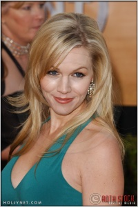 Jennie Garth arriving at the 11th Annual Screen Actors Guild Awards