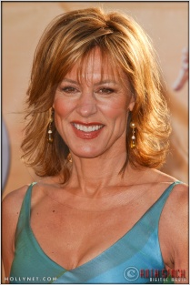 Christine Lahti arriving at the 11th Annual Screen Actors Guild Awards