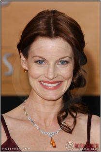 Laura Leighton arriving at the 11th Annual Screen Actors Guild Awards