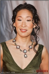 Sandra Oh arriving at the 11th Annual Screen Actors Guild Awards