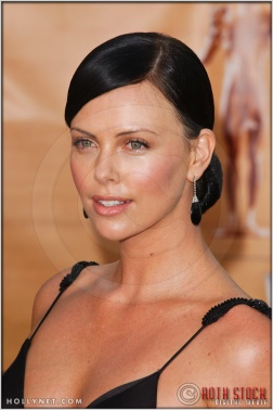 Charlize Theron arriving at the 11th Annual Screen Actors Guild Awards