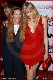 "Page Hannah and Daryl Hannah attend the Los Angeles Premiere Screening of ""Kill Bill Vol. 1"""