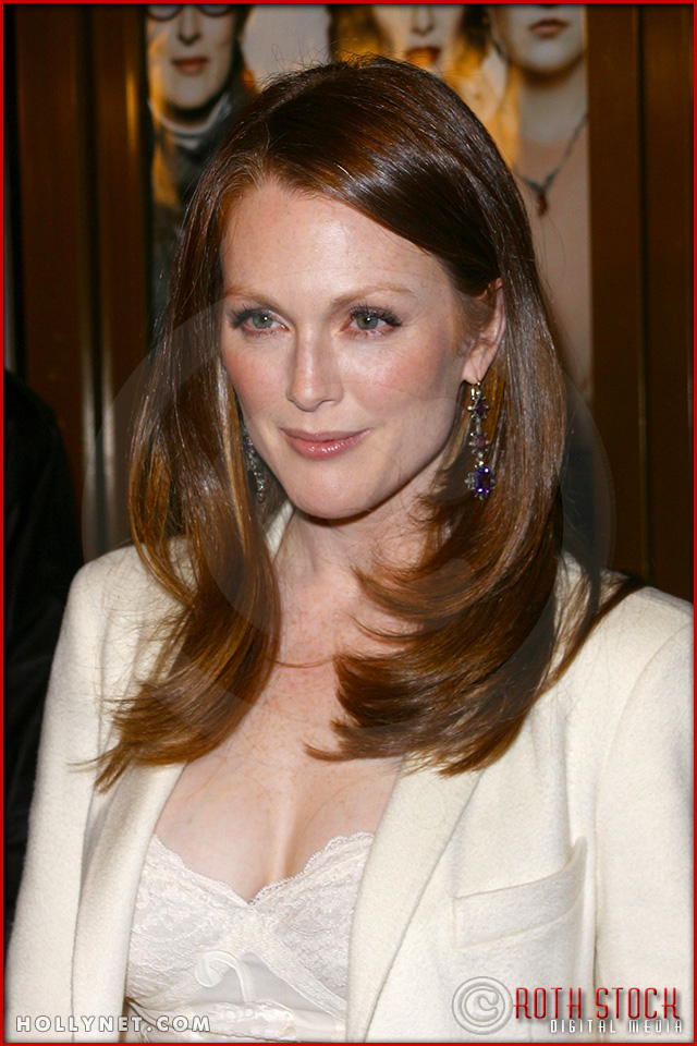 "Julianne Moore attends the World Premiere of ""The Hours"""