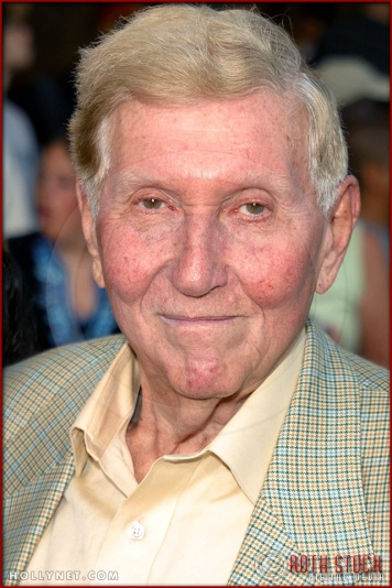 "Sumner Redstone attends the World Premiere of ""K-19: The Widowmaker"""