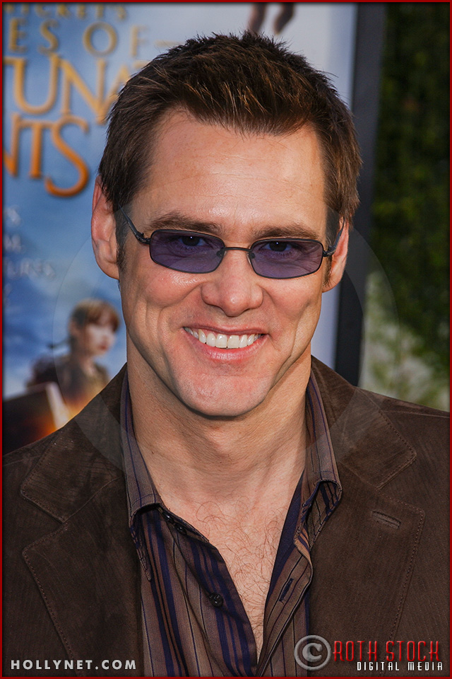 "Jim Carrey attends the World Premiere of ""Lemony Snicket's A Series of Unfortunate Events"""