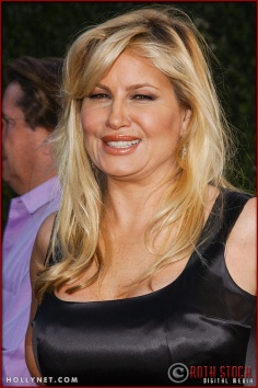 "Jennifer Coolidge attends the World Premiere of ""Lemony Snicket's A Series of Unfortunate Events"""