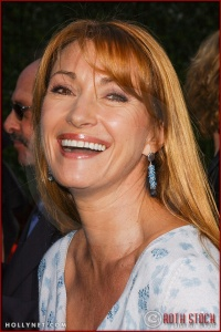"""Jane Seymour attends the World Premiere of """"Lemony Snicket's A Series of Unfortunate Events"""""""