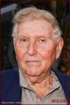 "Sumner Redstone attends the World Premiere of ""Lemony Snicket's A Series of Unfortunate Events"""