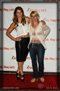 """(L-R) Trainer on """"The Biggest Loser"""" Jennifer Widerstrom and Olympian Tracy Evans-Land"""