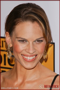 Hilary Swank arrives at the Broadcast Film Critics Association 10th Annual Critic's Choice Awards