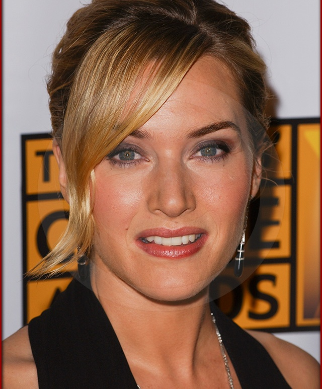 Kate Winslet arrives at the Broadcast Film Critics Association 10th Annual Critic's Choice Awards