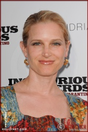 Bridget Fonda attends the Los Angeles Premiere of Inglourious Basterds