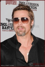 Brad Pitt attends the Los Angeles Premiere of Inglourious Basterds