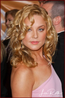 Actress Elisabeth Rohm attends the 10th Annual Screen Actors Guild Awards